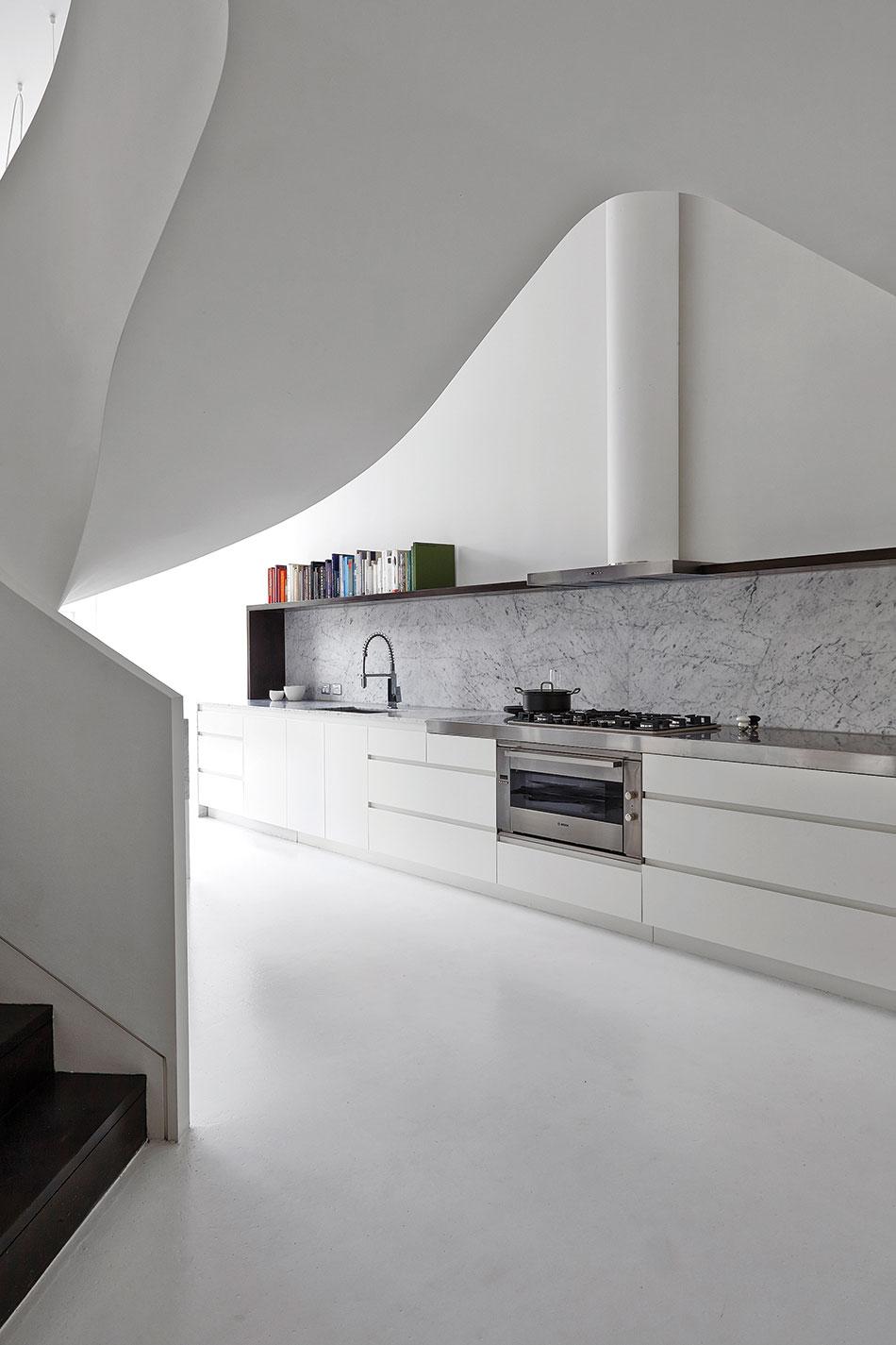 Apartment_Adrian-Amore_10