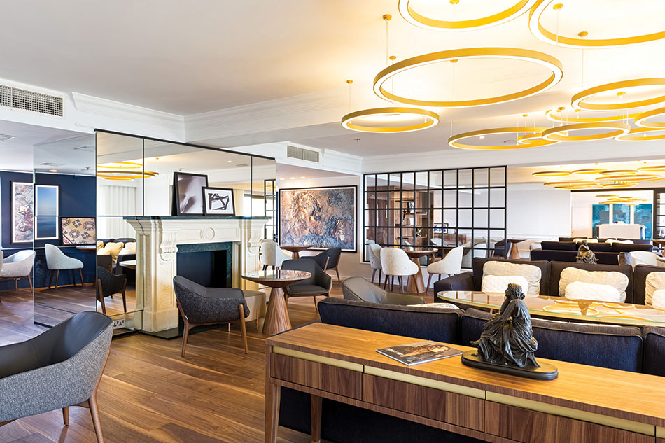 Executive-Lounge-Inside