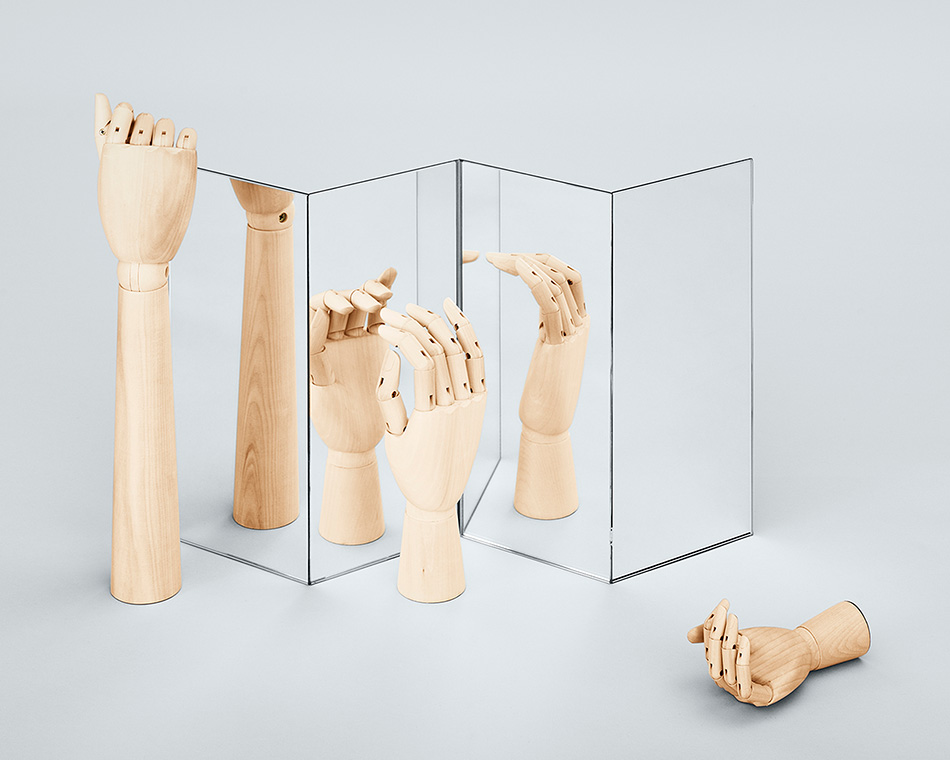 Wooden-Hand,-Wooden-Hand-Forarm