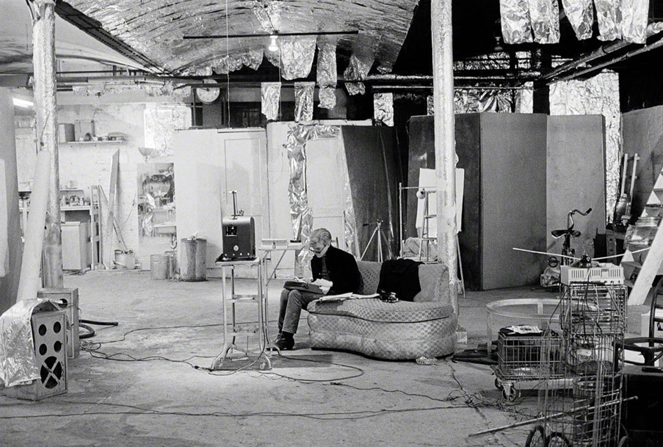 Andy Warhol in the factory (1966)