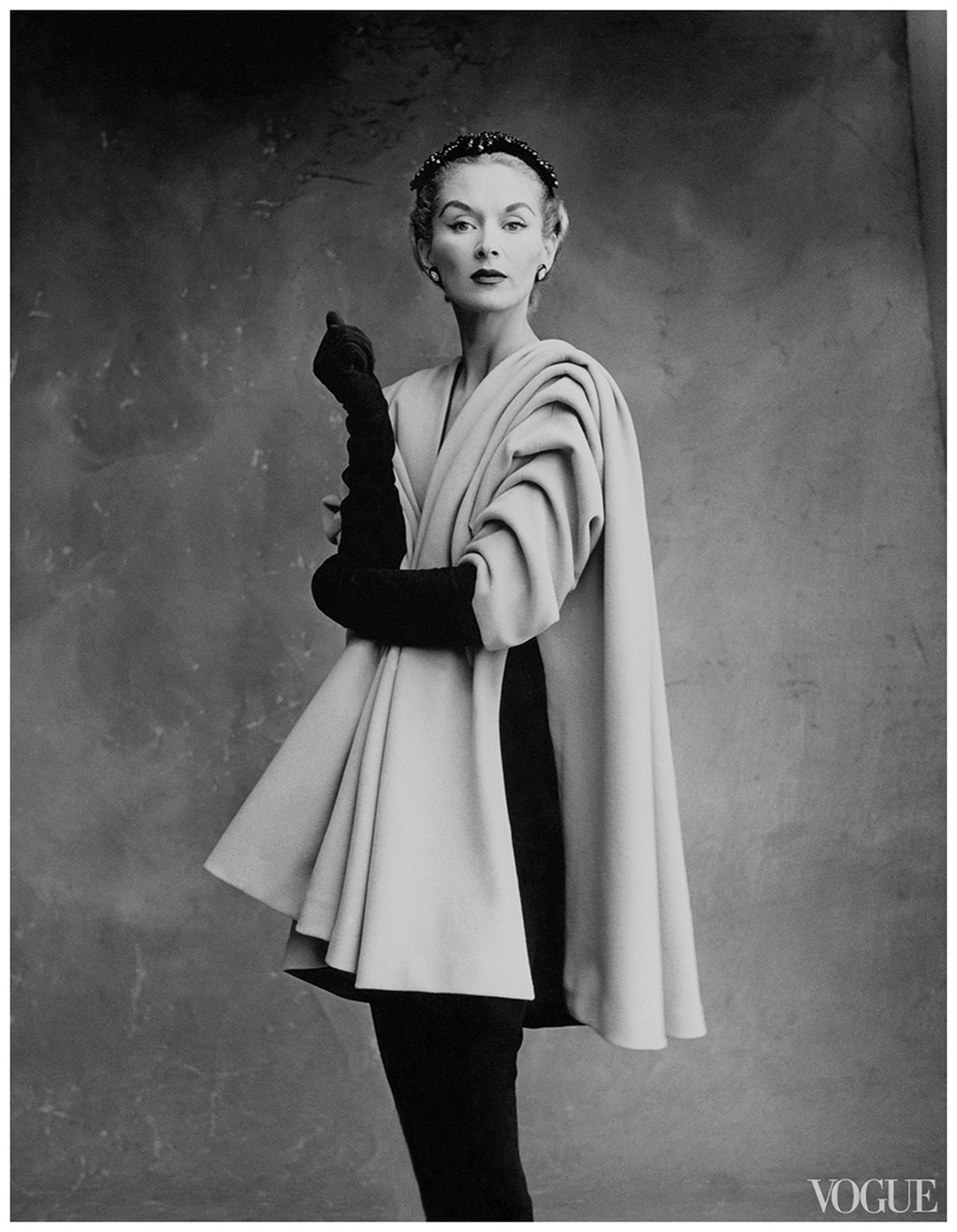 Lisa-Fonssagrives-in-Cristobal-Balenciaga-Ensemble,-photographed-by-Irving-Penn-for-Vogue,-1950
