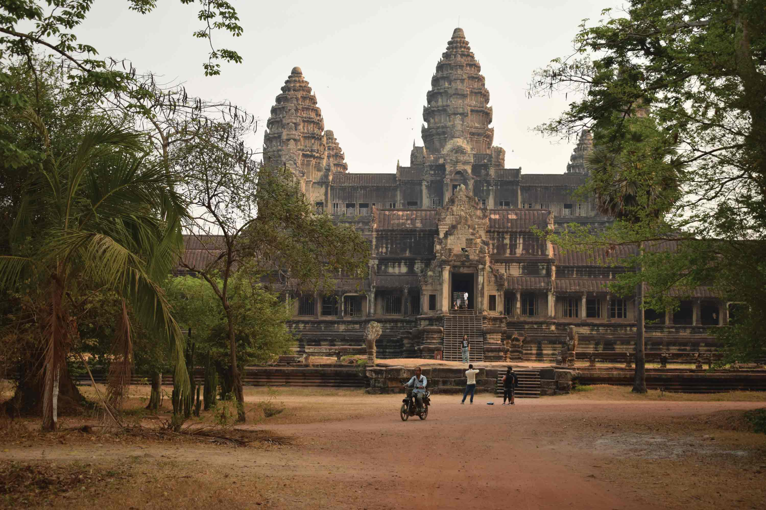 Cambodia, A Land of Contrasts